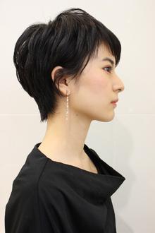 黒髪ショート|RENJISHI AOYAMAのヘアスタイル
