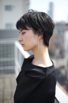 黒髪ナチュラルショート|RENJISHI AOYAMAのヘアスタイル
