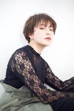 マッシュショート×ゆるいパーマ|RENJISHI AOYAMA 坂手 開のヘアスタイル