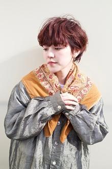 オレンジのワンサイドショート 毛先パーマ|RENJISHI AOYAMAのヘアスタイル