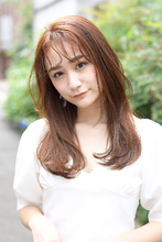 顔まわりのレイヤーで 上品な華やかさをプラス|rikoのヘアスタイル