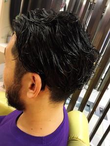 男の色気を出すスタイル|上本町駅直結 美容室|ロンロンシャ 都ホテル店のヘアスタイル
