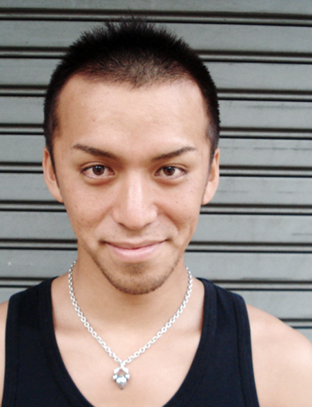爽やかなソフトモヒカンにプラス黒髪で男の色気を演出!!