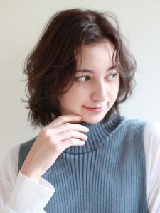 スタイリングが楽しい♪顔周りに動きのあるウェーブ!|ROUGE 目白台店のヘアスタイル