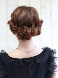 柔らかく女性らしいヘアアレンジ!