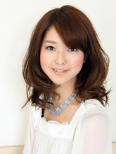 パーマでふんわりミディアムスタイル ROUGE 茗荷谷店 池田 愛のヘアスタイル