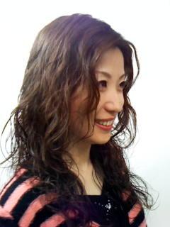 柔らかい髪質でもしっかりかかるウキウキ コラーゲンパーマ