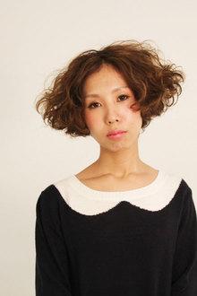 外国人風ロマパーマ|WISTARIA FIELD MONADのヘアスタイル