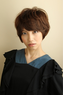 甘さをおさえたやわらかウェーブ。|Hair Atelier DEAR-LOGUE 下北沢 のヘアスタイル