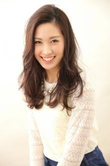 暗髪ピンクベージュ@斜めバングウェビーフェミニンロング|felicita 緑地公園店のヘアスタイル