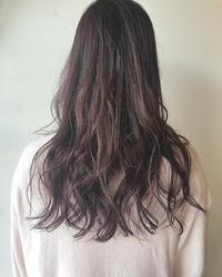 暗めのピンクカラー