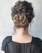 ルーズなボブの結婚式アレンジ|MASHU GRAND VASEのヘアスタイル