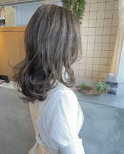 ふわゆるアッシュベージュ|MASHU GRAND VASEのヘアスタイル