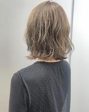 ハイトーン外ハネボブ|MASHU GRAND VASEのヘアスタイル