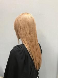oooitトリートメント×ハイトーンヘア|MASHU NU茶屋町店のヘアスタイル