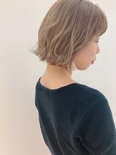 クリーミーラテカラー|MASHU NU茶屋町店のヘアスタイル
