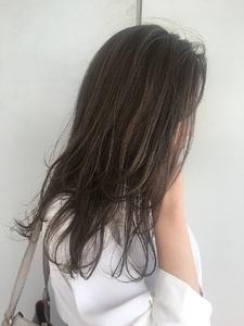 ラベンダーアッシュレイヤー MASHU NU茶屋町店のヘアスタイル