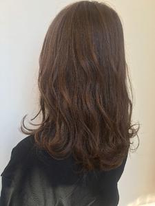 ふわふわセミロング MASHU NU茶屋町店のヘアスタイル