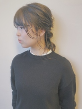 ヘアゴム2つで簡単ヘアアレンジ☆|MASHU NU茶屋町店のヘアスタイル