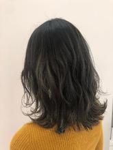 アッシュグレーグラデーション|MASHU NU茶屋町店のヘアスタイル