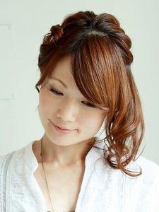 編みこみサイドアップ Carpe Diemのヘアスタイル