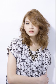 グラマラスウェーブ|DESIRE 調布北口店のヘアスタイル