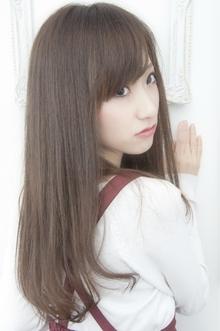 スモーキーアッシュ☆ストレートスタイル keep hair designのヘアスタイル