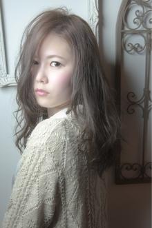 透明感のあるアッシュ☆ゆるふわウェーブ keep hair designのヘアスタイル