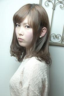 耳かけワンカールスウィートセミディ keep hair designのヘアスタイル