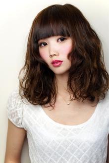 パッツン前髪ウェーブ keep hair designのヘアスタイル
