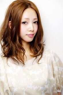 前下がりアンニュイウェーブ☆前髪なしのゆるふわスタイル keep hair designのヘアスタイル