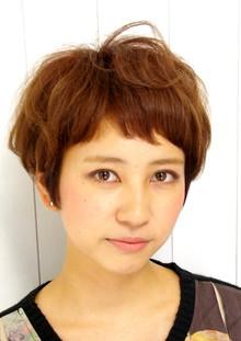 大人ショートバンクボブ|Que hairのヘアスタイル