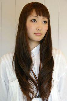 ダークブラウンロングカール|Que hairのヘアスタイル