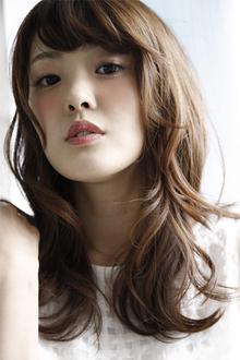 大人かわいい鎖骨ミディ♪ふんわりカールで誰からも愛されるヘアスタイルです!|laluna alex 阪急六甲店のヘアスタイル
