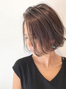 かきあげ前髪で、強さと儚さを合わせた大人ボブ|rocca hair innovation 稲毛西口店のヘアスタイル