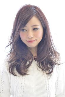 ルーズなカール感で|rocca hair innovation 稲毛西口店のヘアスタイル