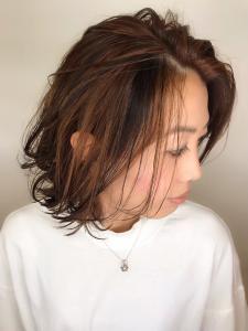 ミディアムボブ×耳かけスタイル|rocca hair innovation 稲毛西口店のヘアスタイル