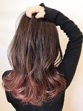 個性的グラデーションカラー|rocca hair innovation 稲毛西口店 馬場 葉瑠香のヘアスタイル