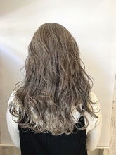 シルバーベージュ|rocca hair innovation 稲毛西口店 渡辺 直亮のヘアスタイル