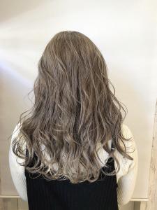 シルバーベージュ|rocca hair innovation 稲毛西口店のヘアスタイル