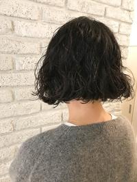 髪に優しい酸性モイスチャーパーマ♪