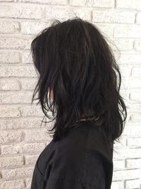 透明感のある黒髪セミディ♪