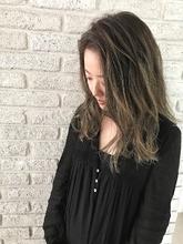 外国人風ハイライトグレージュロング♪|MaruQuee de mashuのヘアスタイル