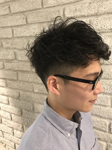 ブリティッシュ刈り上げショート|MaruQuee de mashuのヘアスタイル
