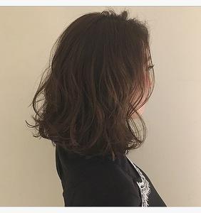 くすみアッシュ・デザインカラー|Lumier de mashuのヘアスタイル