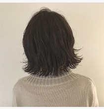 パツッと外ハネ・切りっぱなしボブスタイル|Lumier de mashuのヘアスタイル