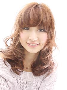 スウィングカール|FEERIE tsukudaのヘアスタイル