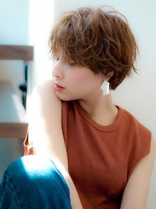 ニュアンスパーマの外国人風ハンサムショート|CREER 塚口店のヘアスタイル