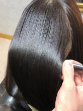 【女王のヘアエステ】髪の毛に、うねりがあるから艶が出ない!!|salon de QUEENのヘアスタイル