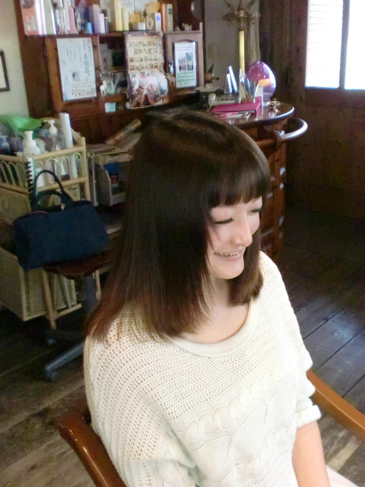 パサパサに傷んだ髪を『電子トリートメント』でツヤツヤ、サラサラ髪に